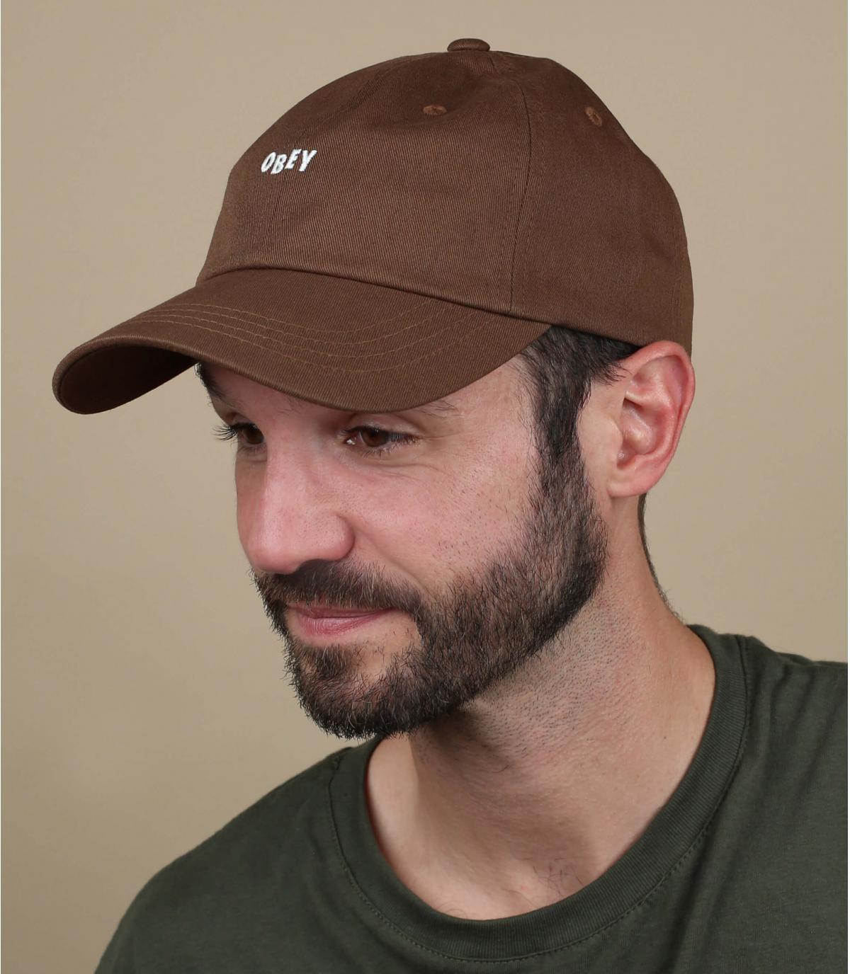 casquette marron Obey
