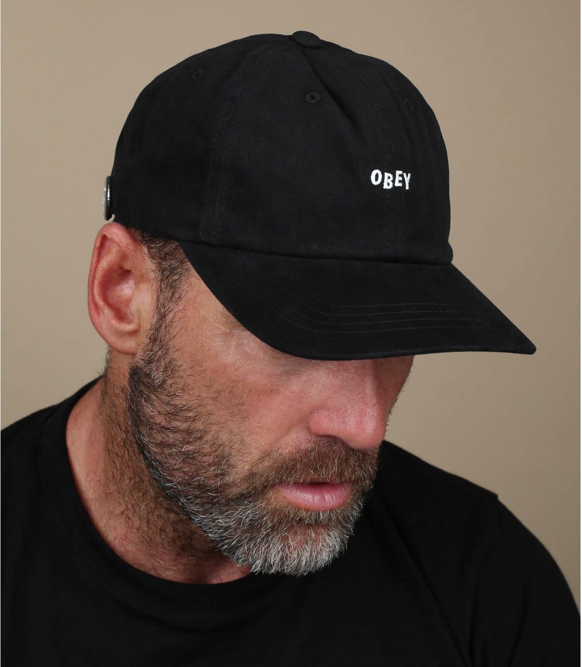casquette noir Obey