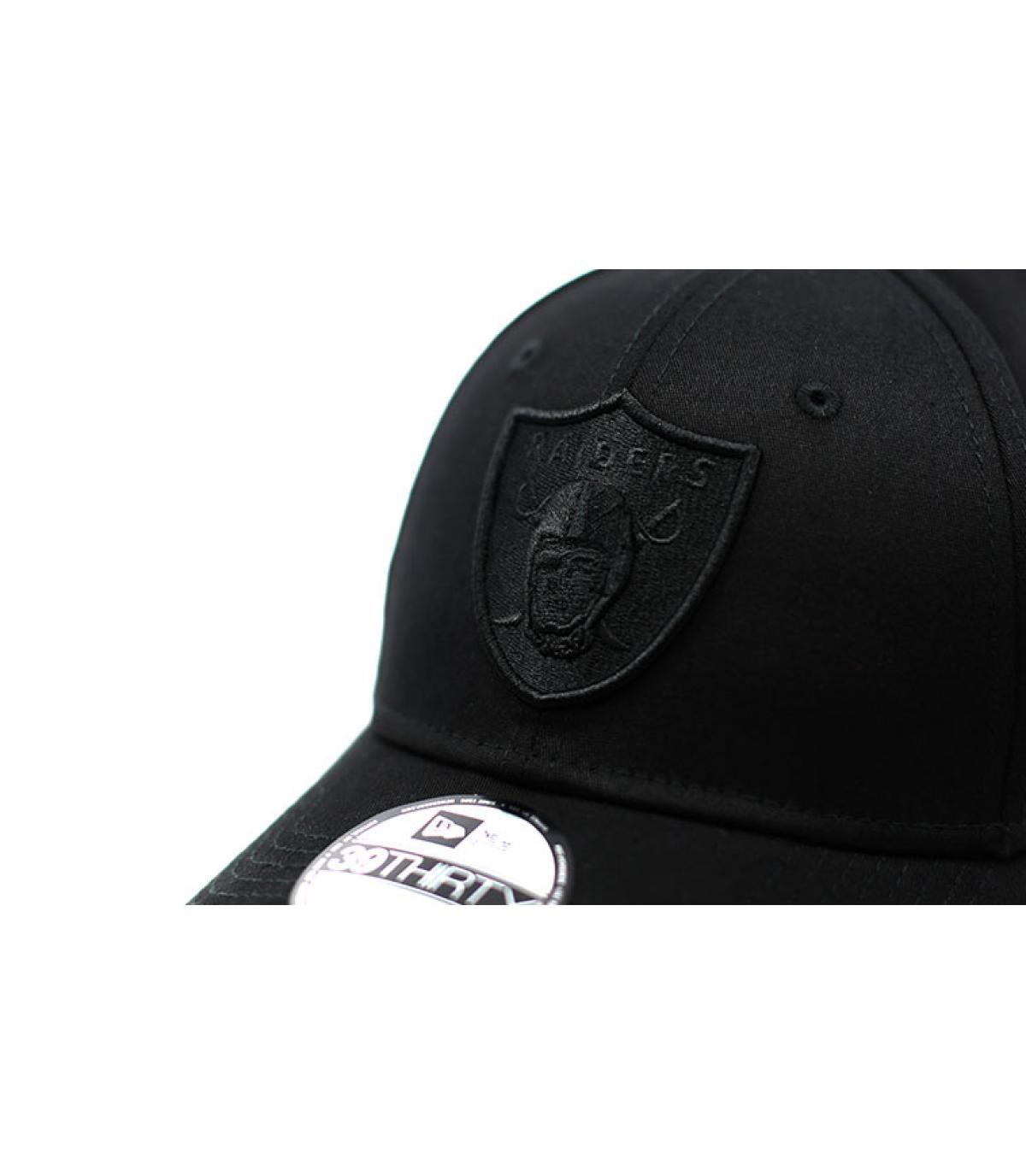 Détails Casquette Raiders Black On Black 39Thirty - image 3