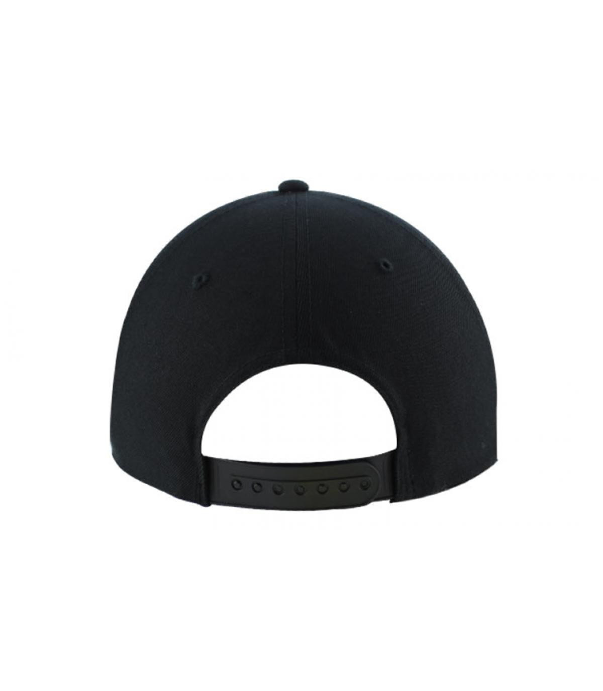 Snapback blanc noir visiere cuir
