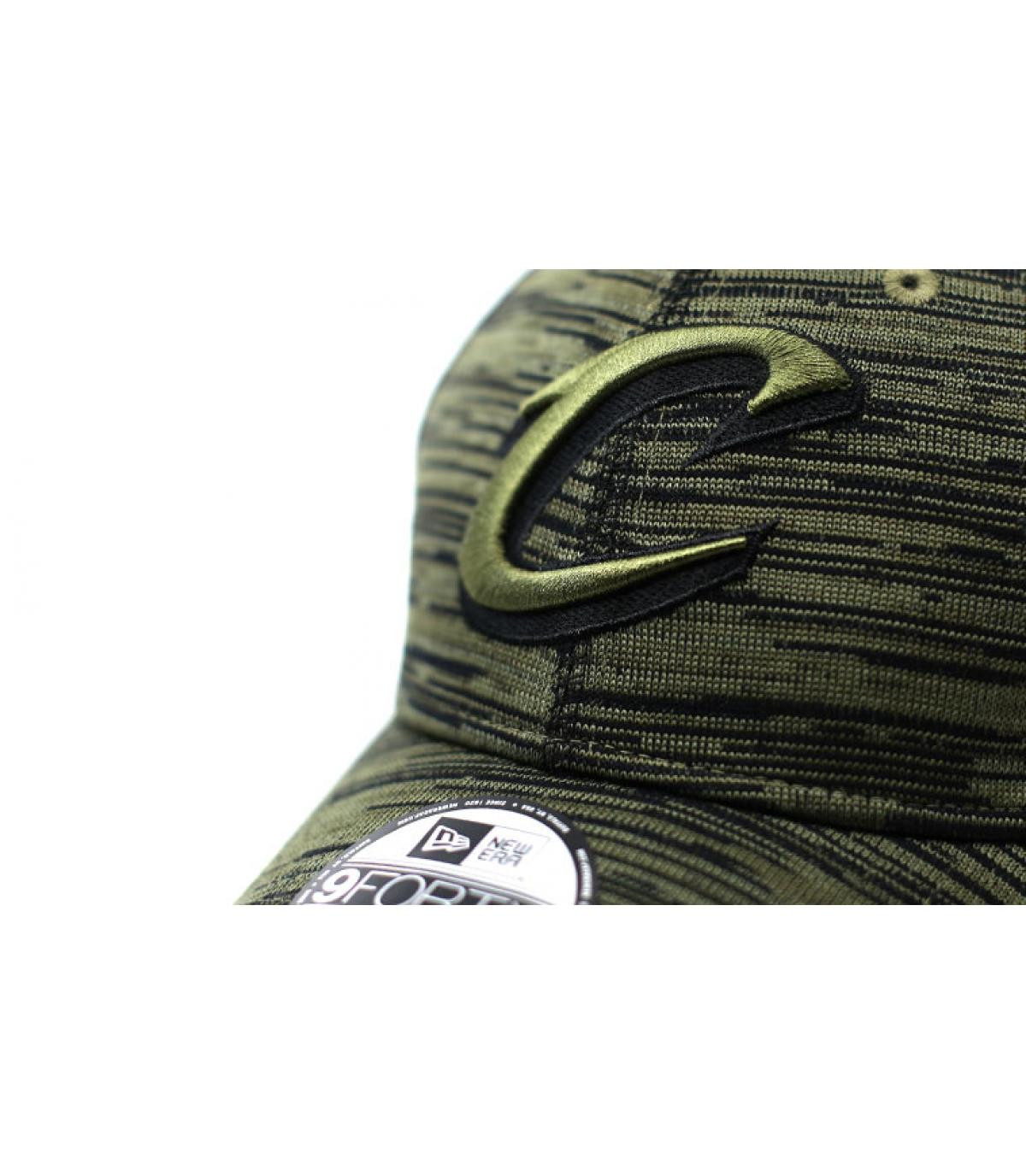 Détails Casquette Engineered Fit Cavaliers 9Forty olive - image 3