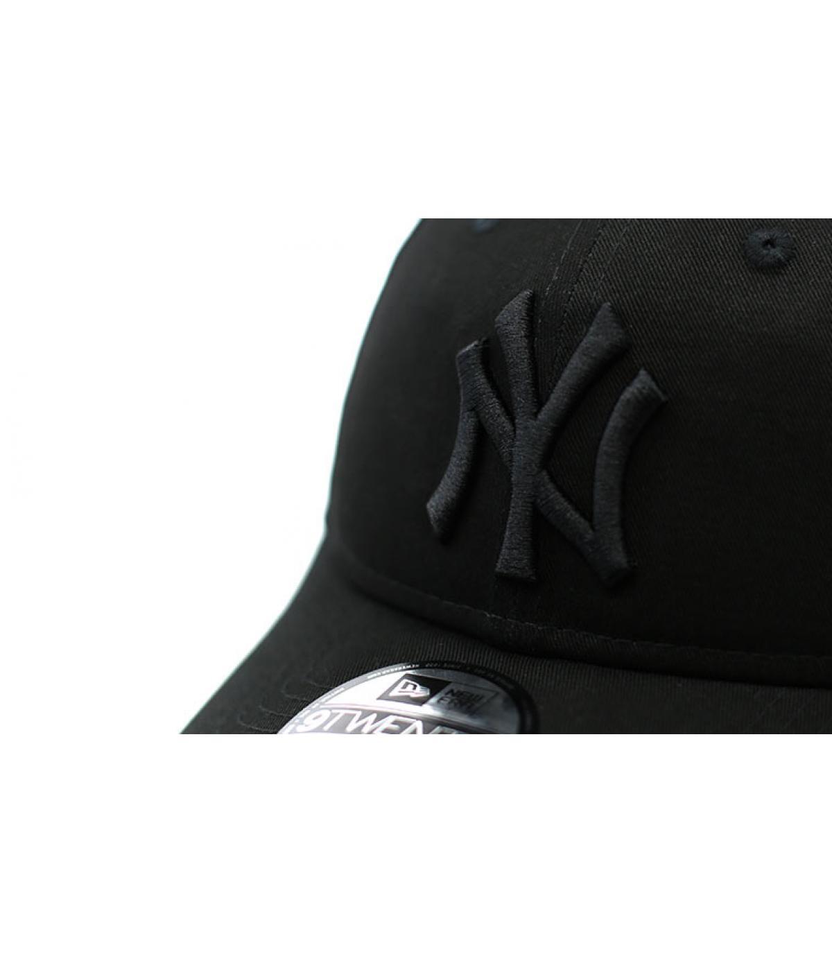 Détails Casquette Essential Packable NY 9Twenty black - image 3