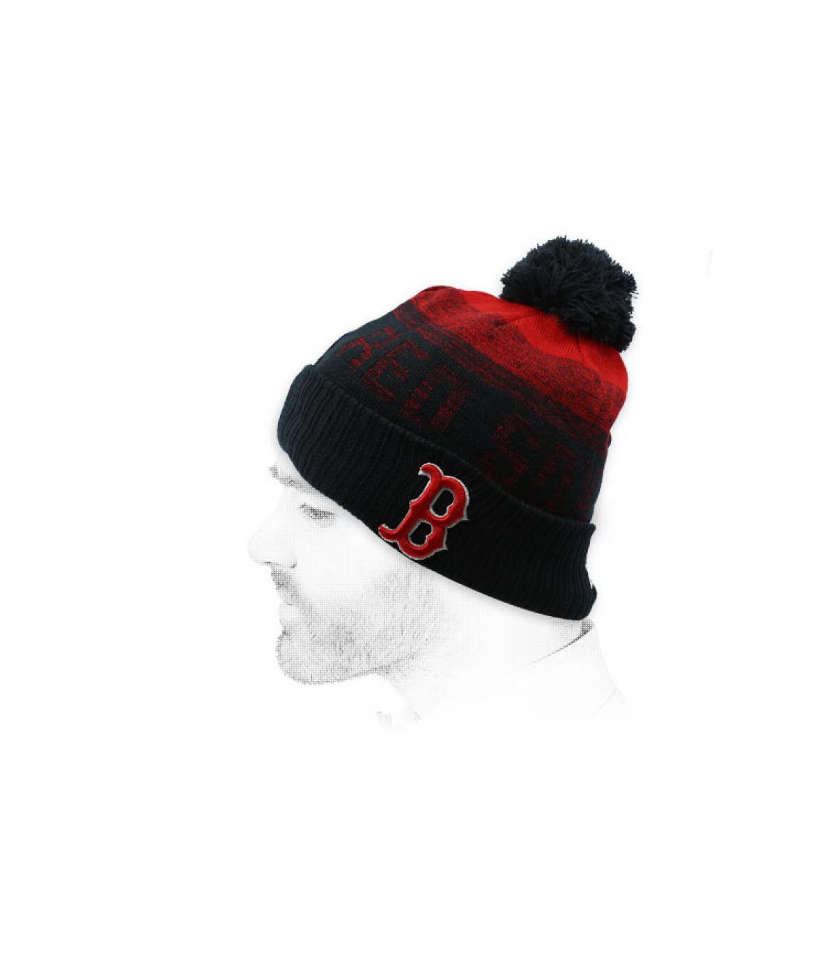 bonnet B pompon noir