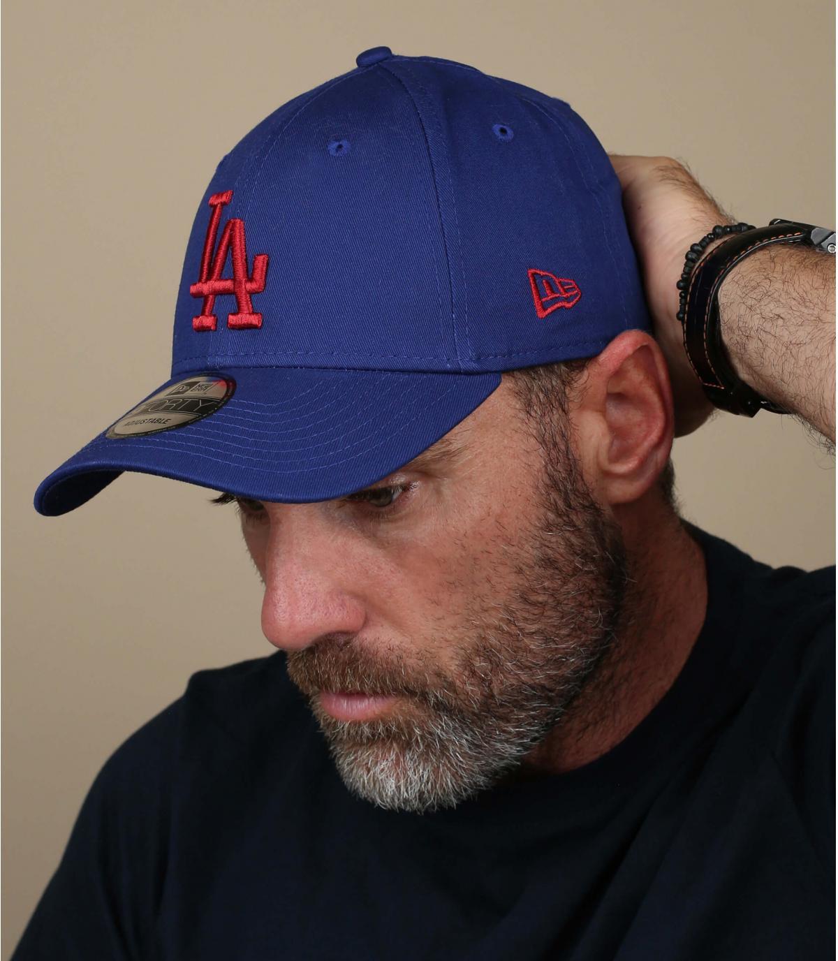 casquette LA bleu rouge