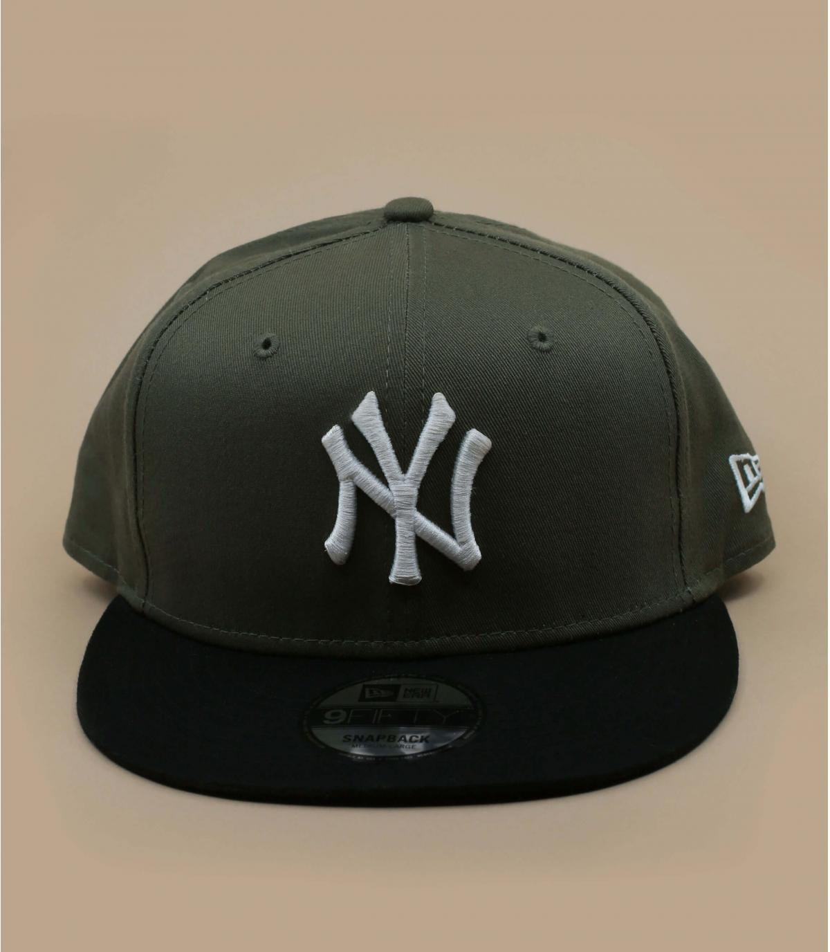 snapback vert NY