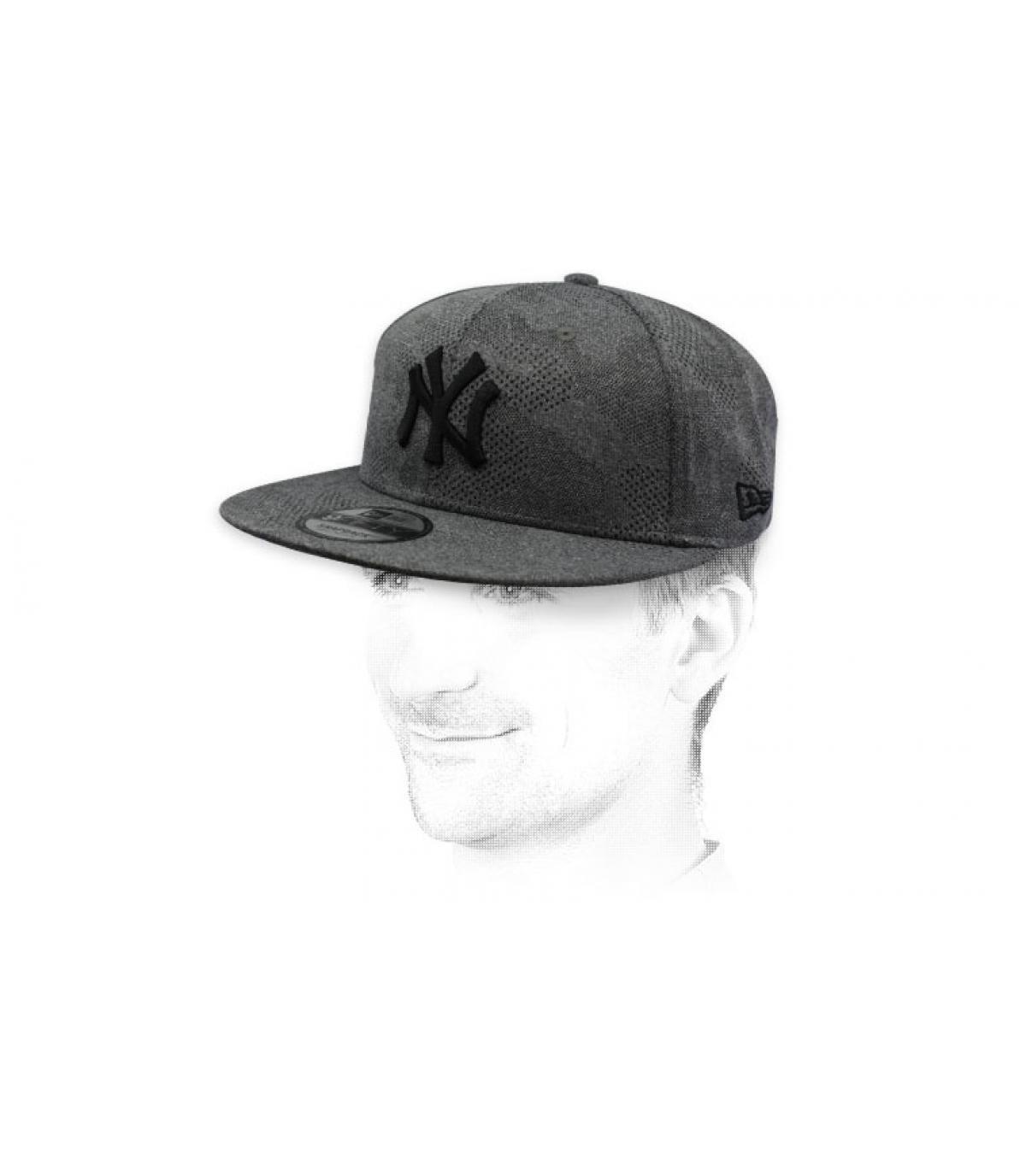 snapback NY gris noir