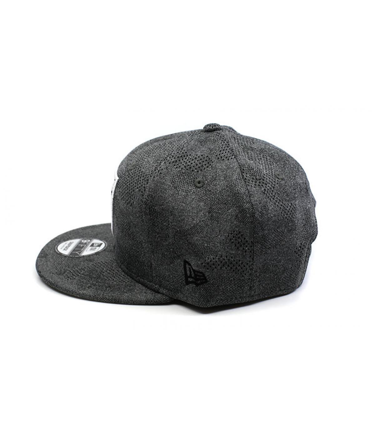 Détails Snapback Engineered Plus Raiders 950 gray black - image 4
