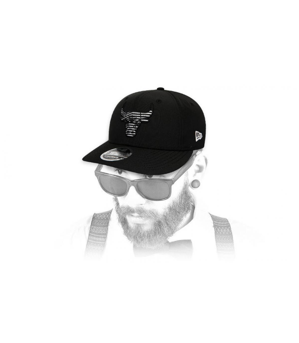 snapback Bulls noir logo zébré