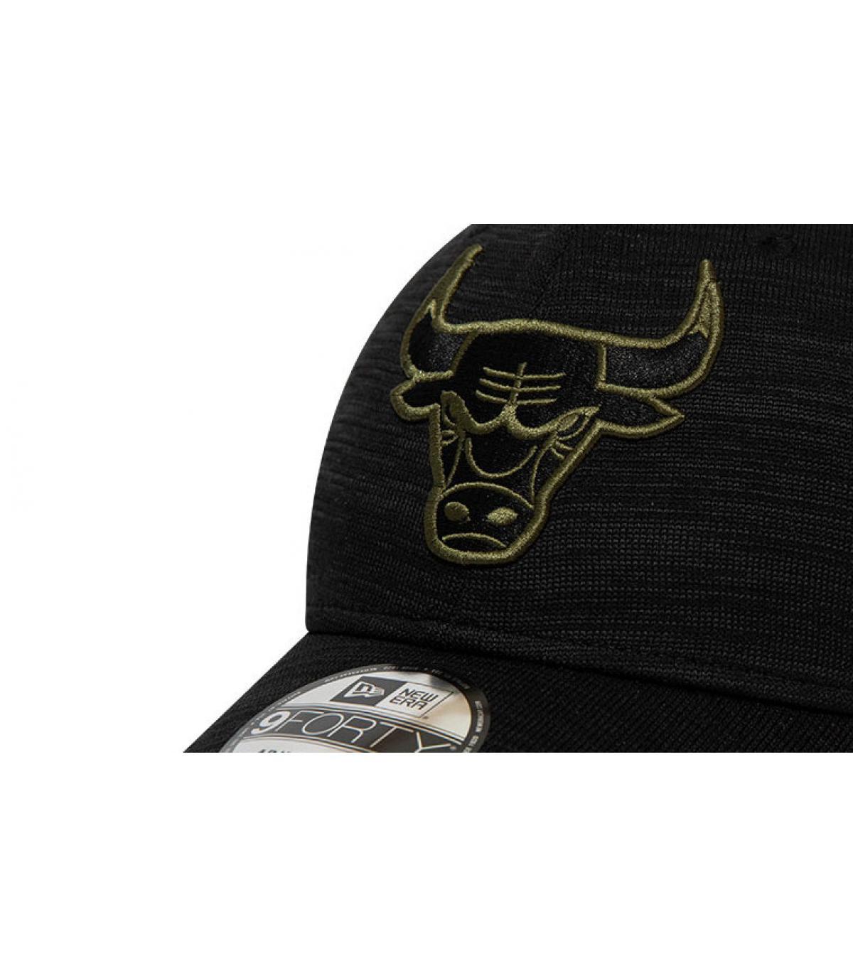 Détails Casquette Engineered Fit Bulls 940 black olive - image 3