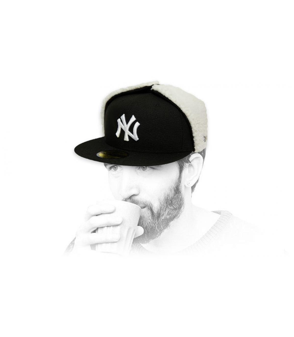casquette NY noir blanc protège oreilles