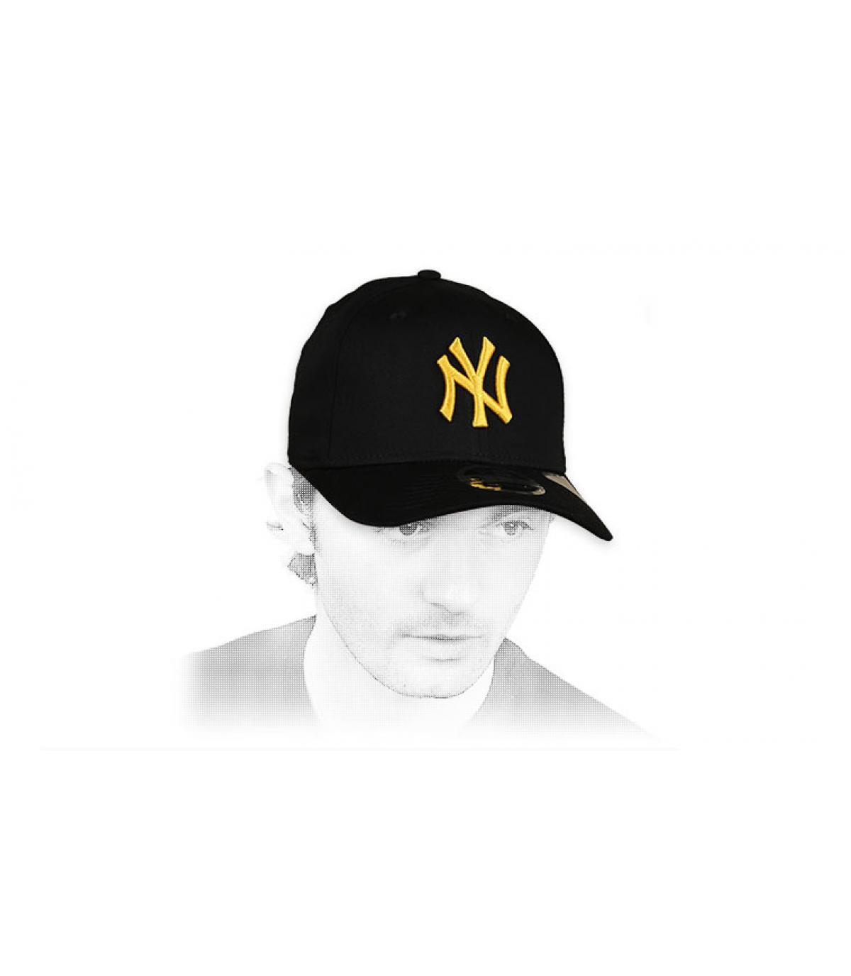 casquette NY noir jaune