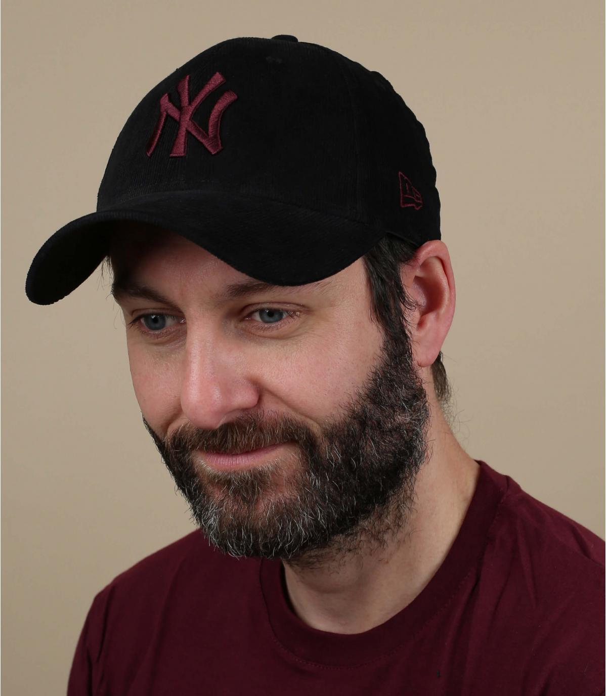 casquette NY velours noir bordeaux