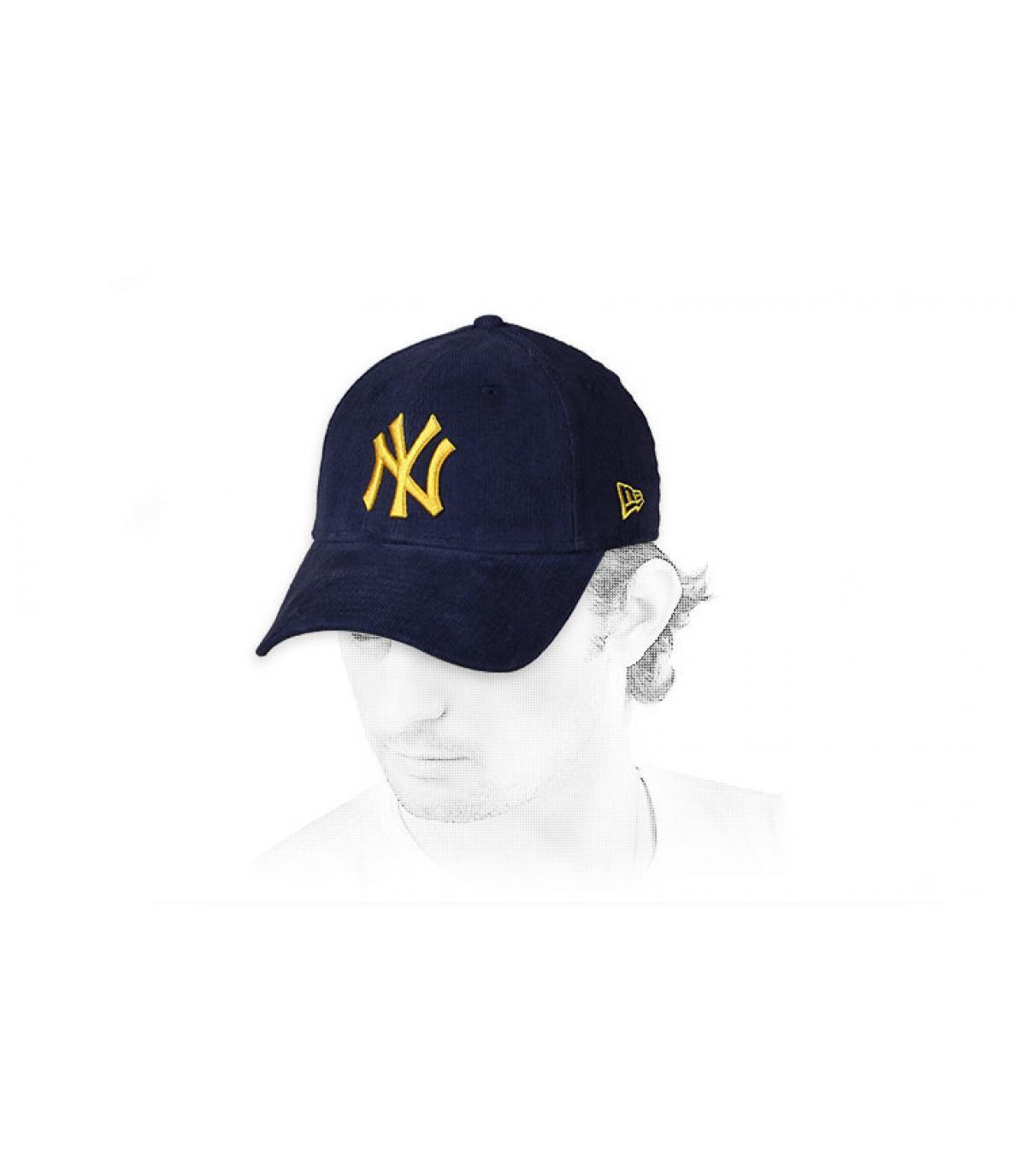 casquette NY velours bleu jaune
