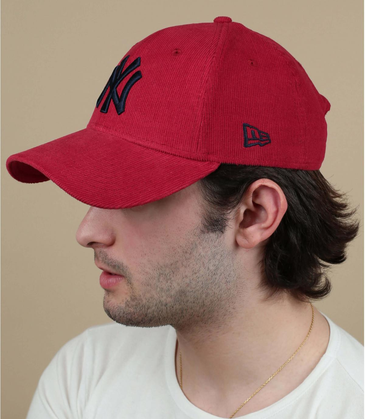 casquette NY velours rouge