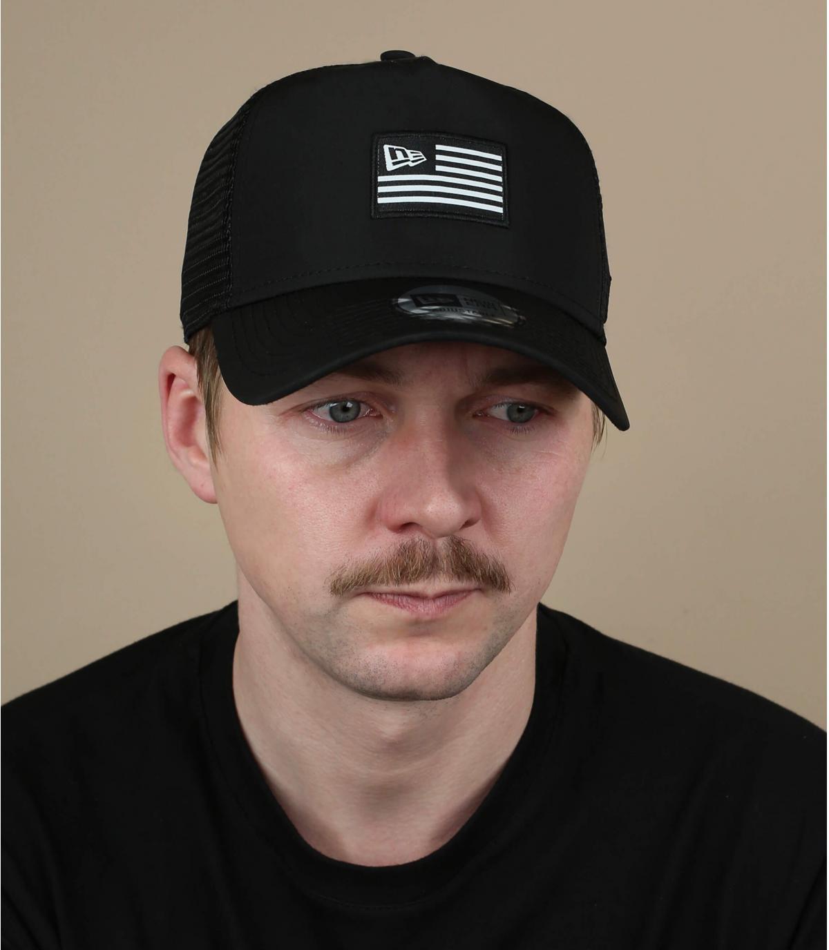 trucker drapeau noir