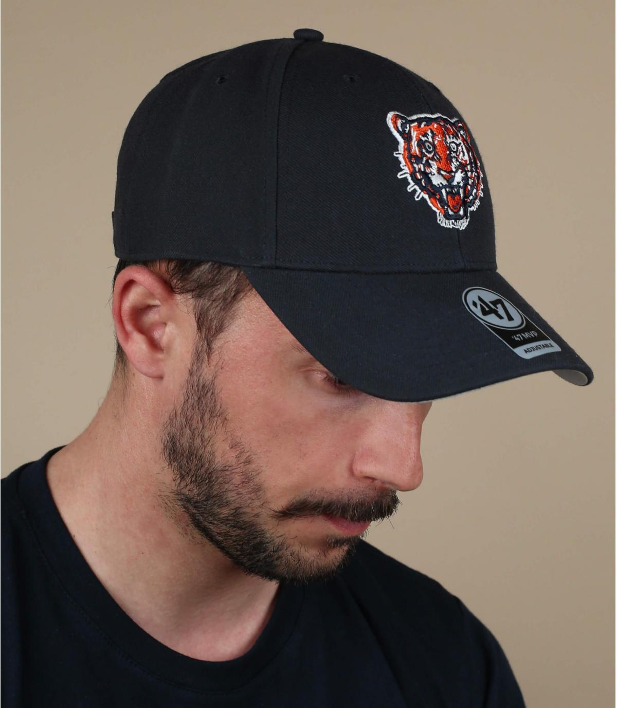 casquette tigre noire
