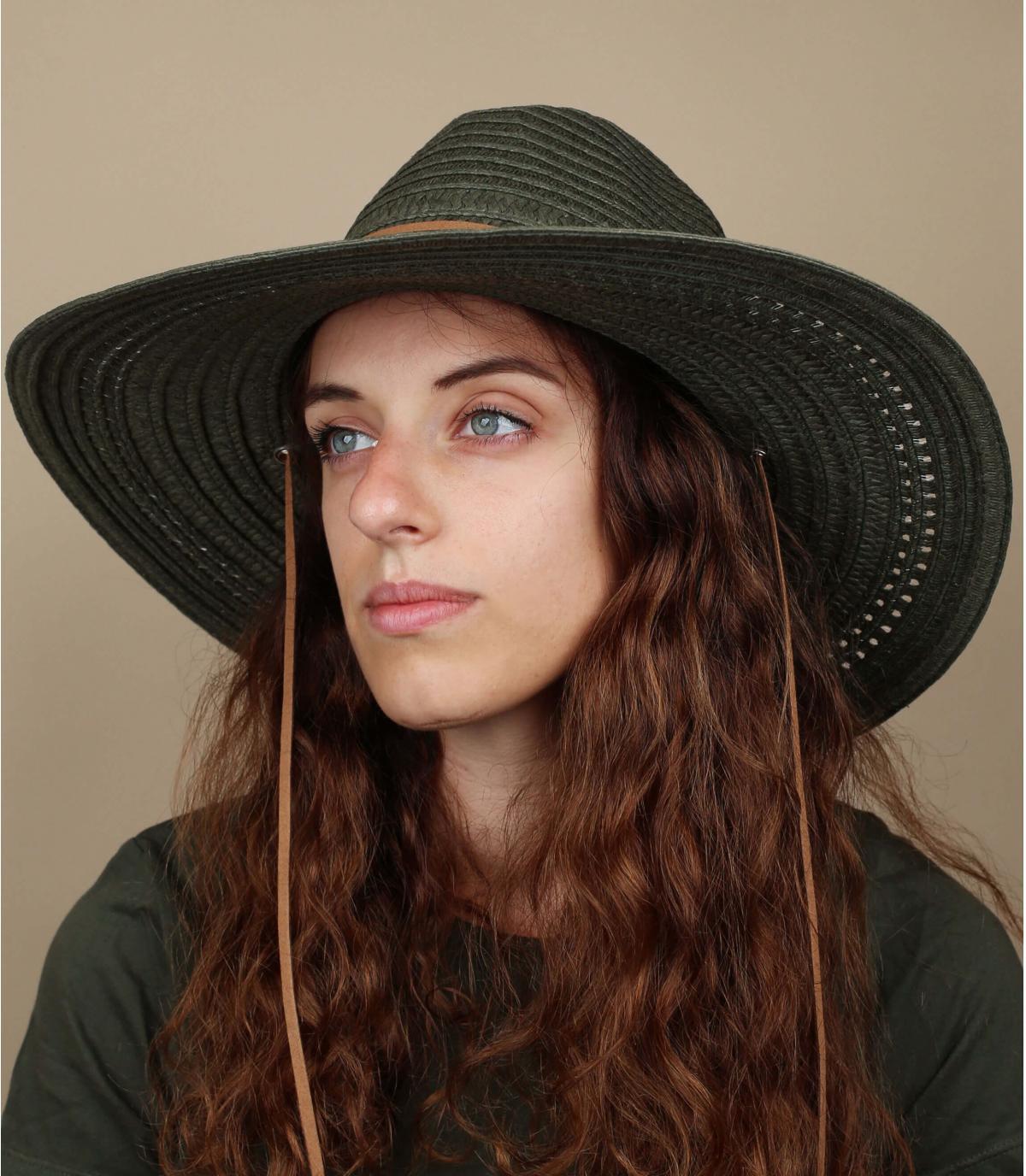grand chapeau paille vert