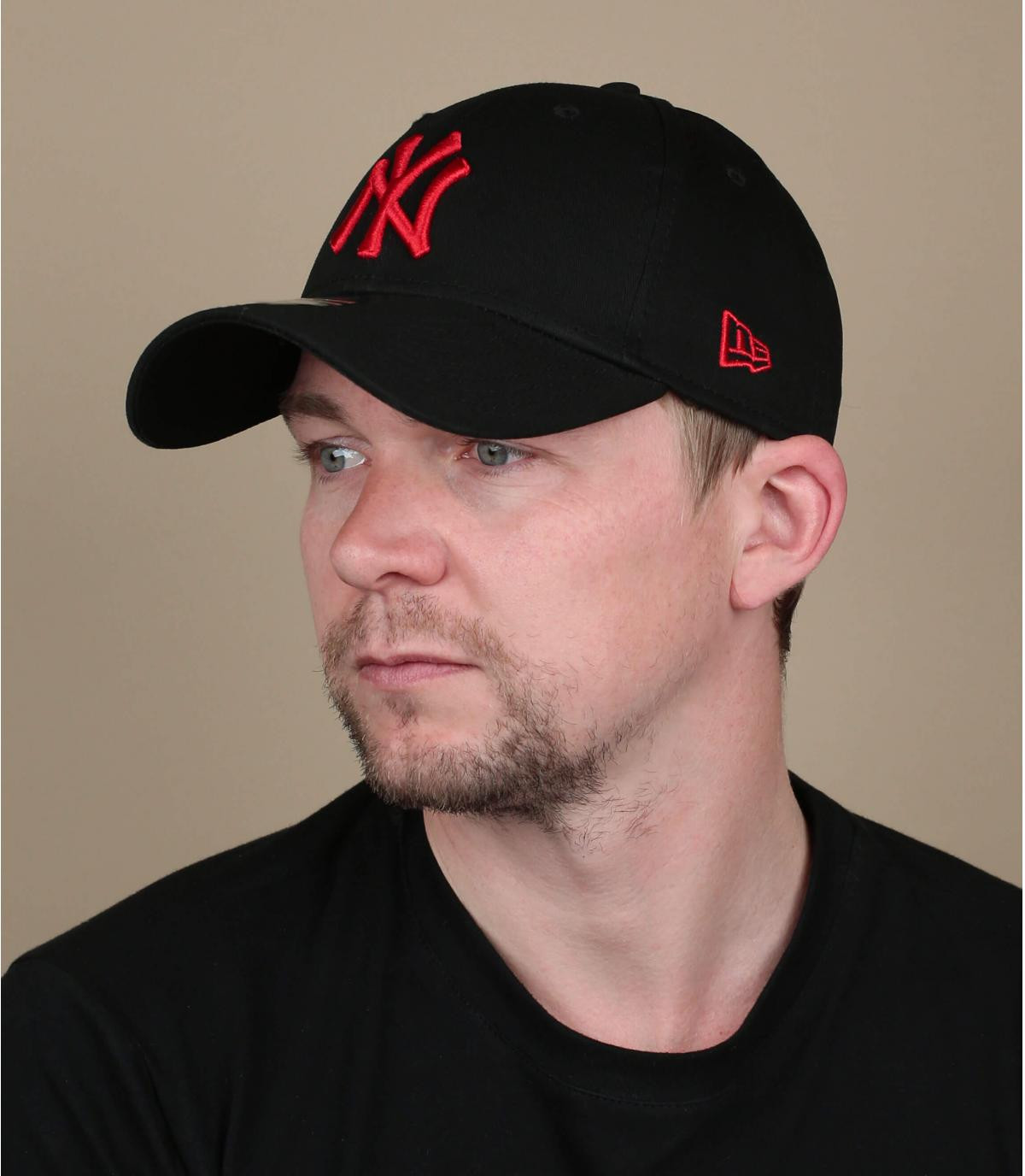 casquette NY noir rouge