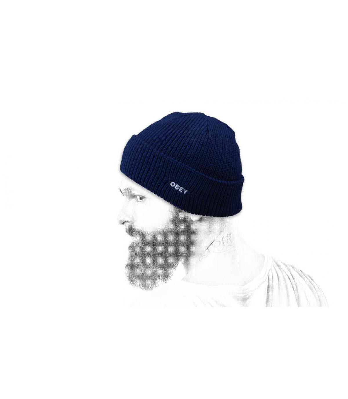 bonnet revers bleu marine Obey