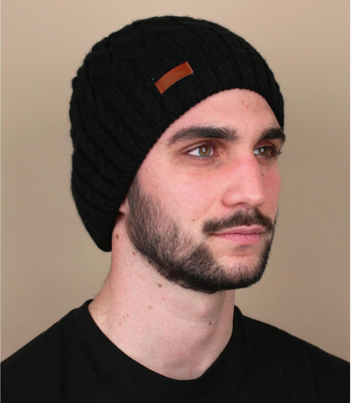 bonnet noir torsade