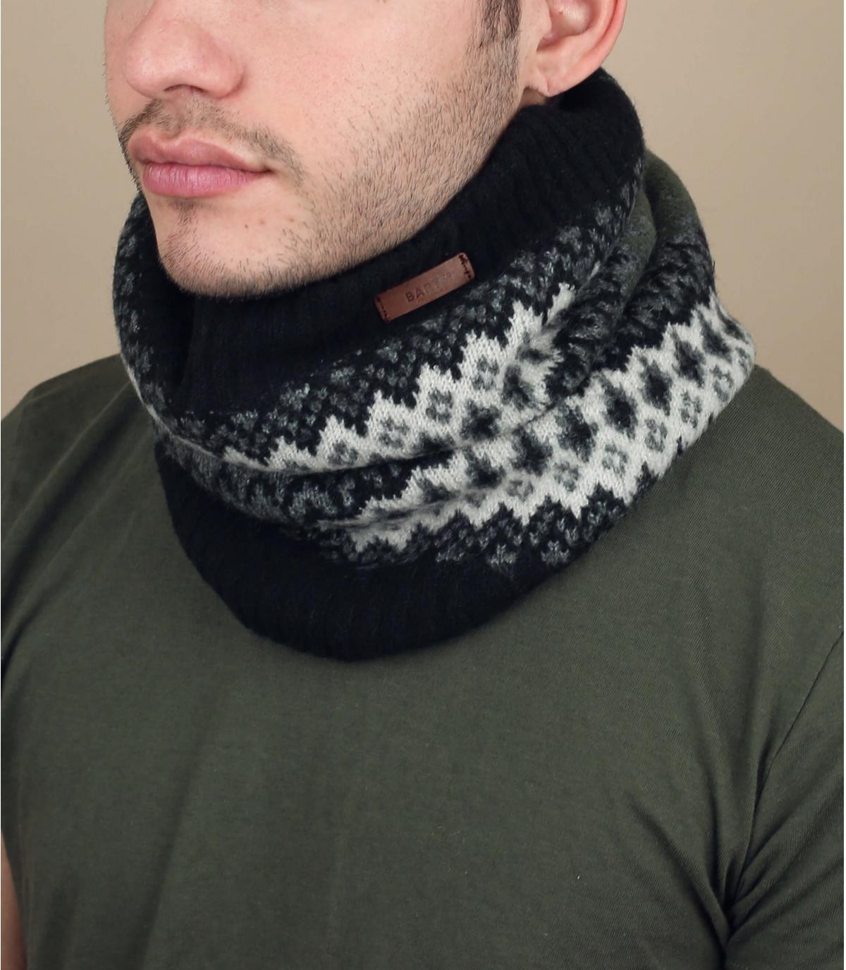 écharpe noir motif