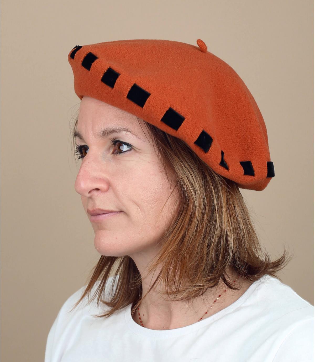 béret orange ruban noué