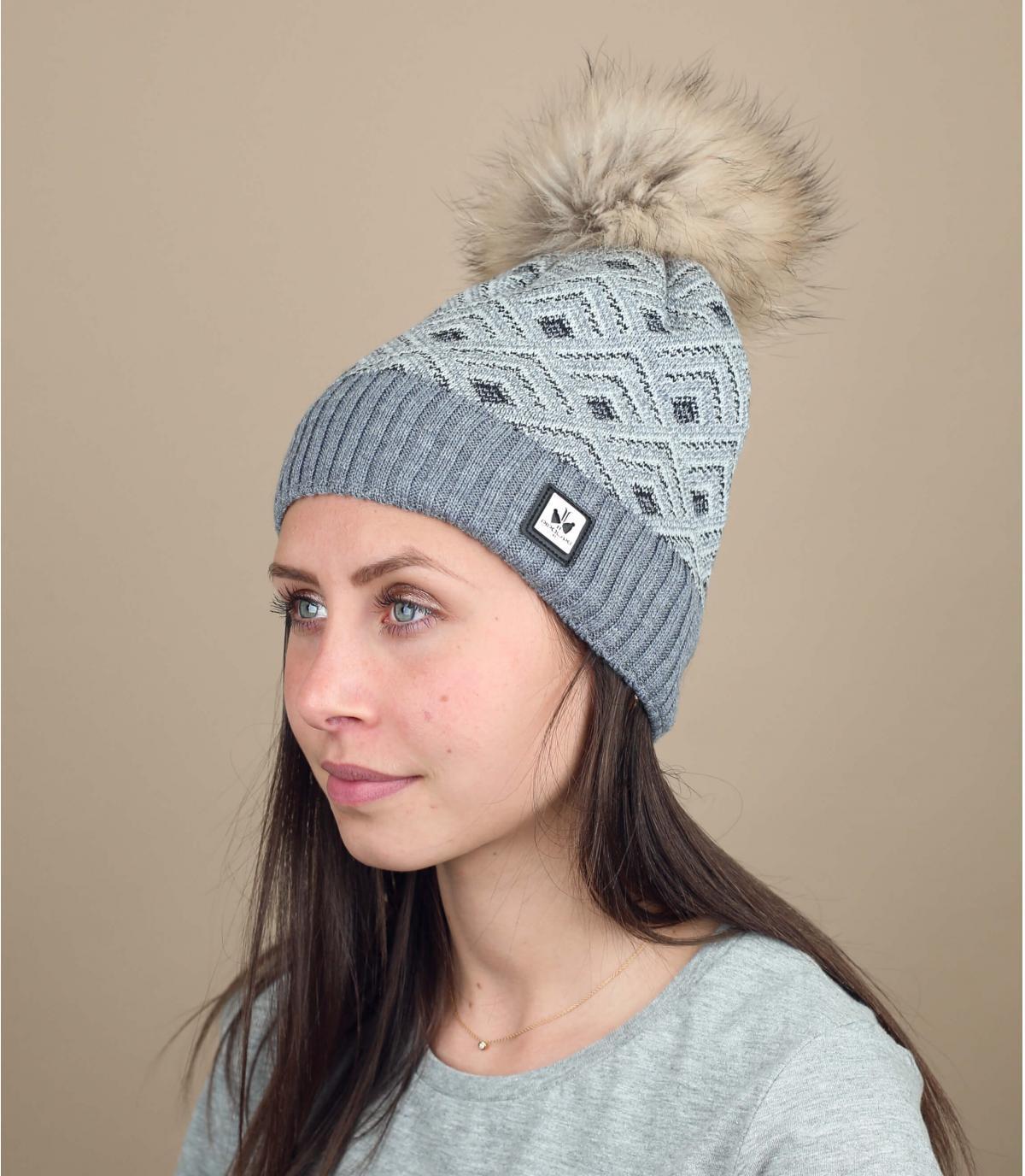 bonnet laine pompon fourrure gris