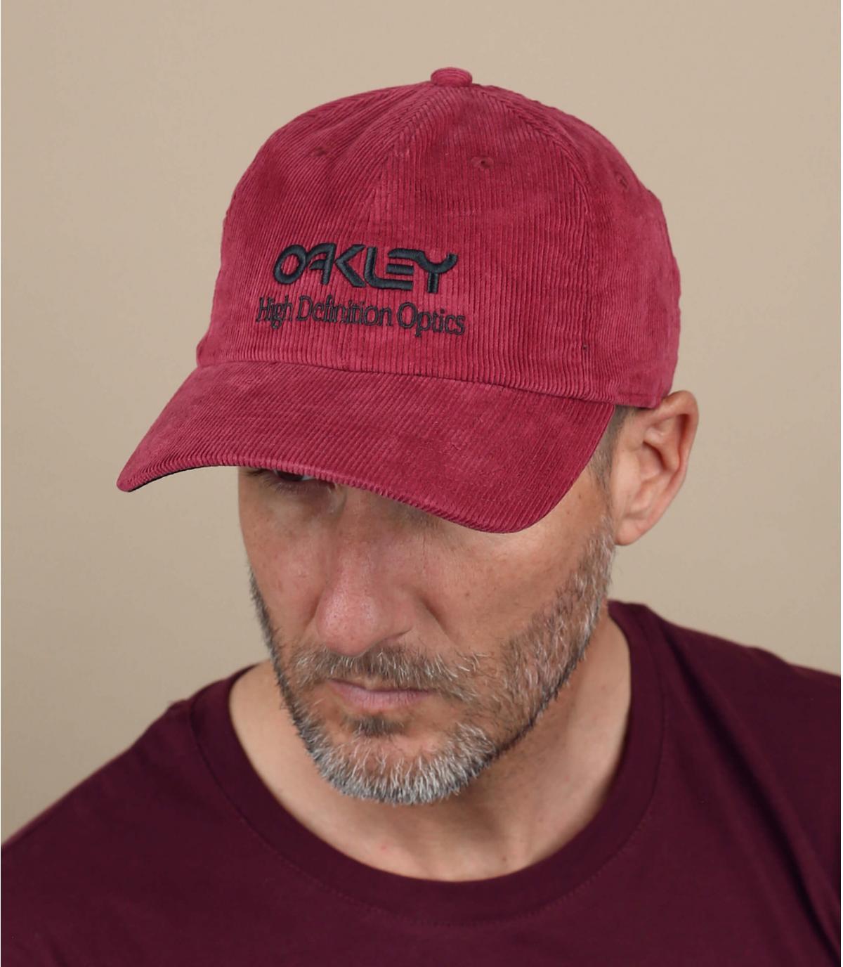 casquette Oakley velours rouge