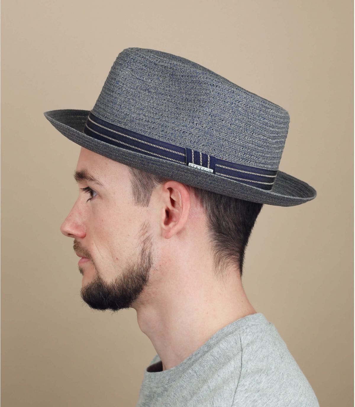 chapeau paille bleu gris