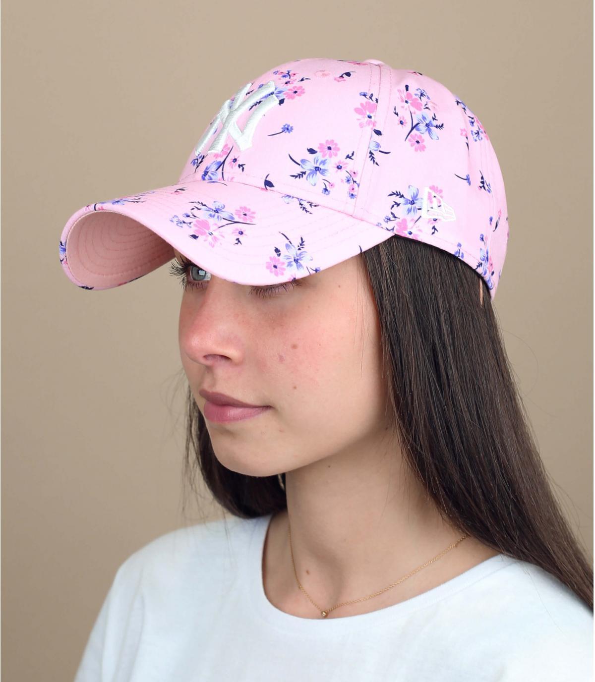 casquette femme rose fleurs