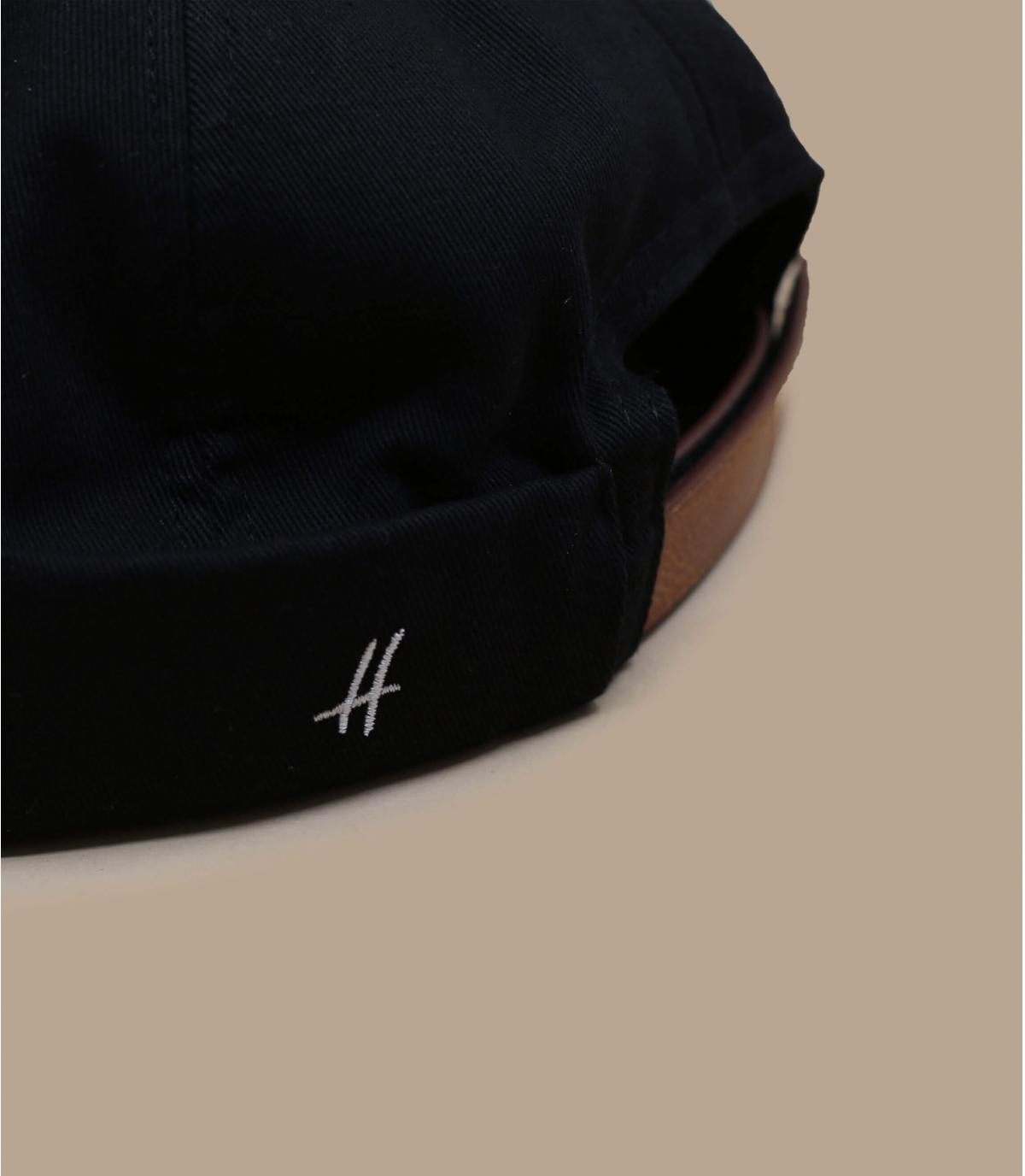bonnet docker noir cuir