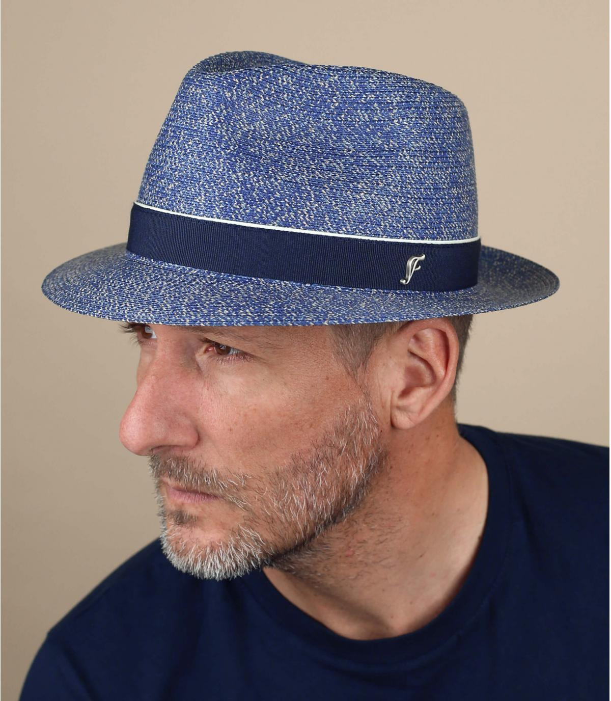 chapeau bleu paille