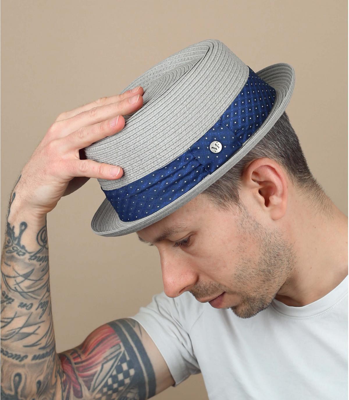 chapeau paille gris galon bleu