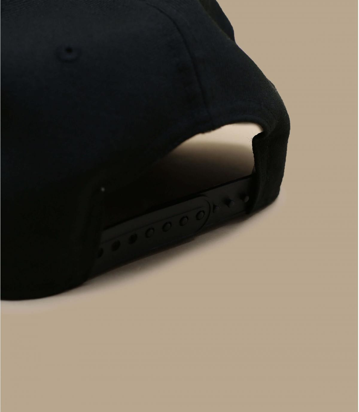 Détails Snapback Quickturn Paisley Bulls 950 black pink - image 4