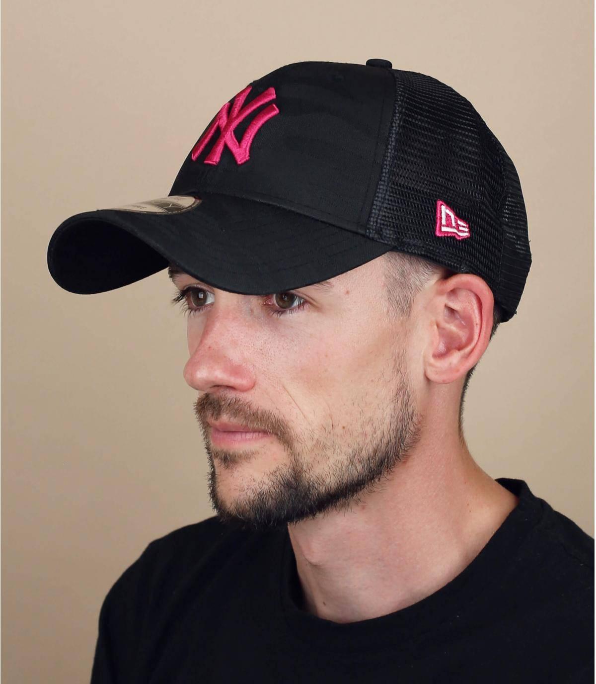 trucker NY camo rose