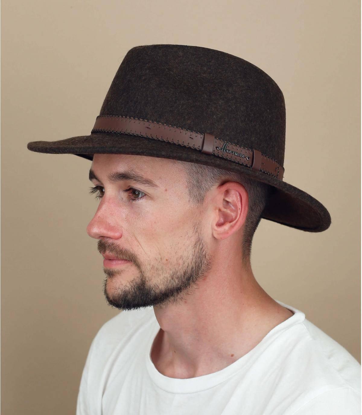 chapeau feutre marron