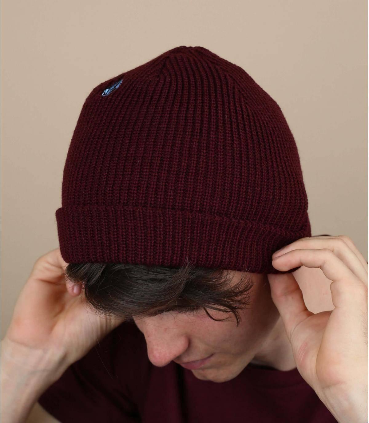 bonnet bordeaux Volcom