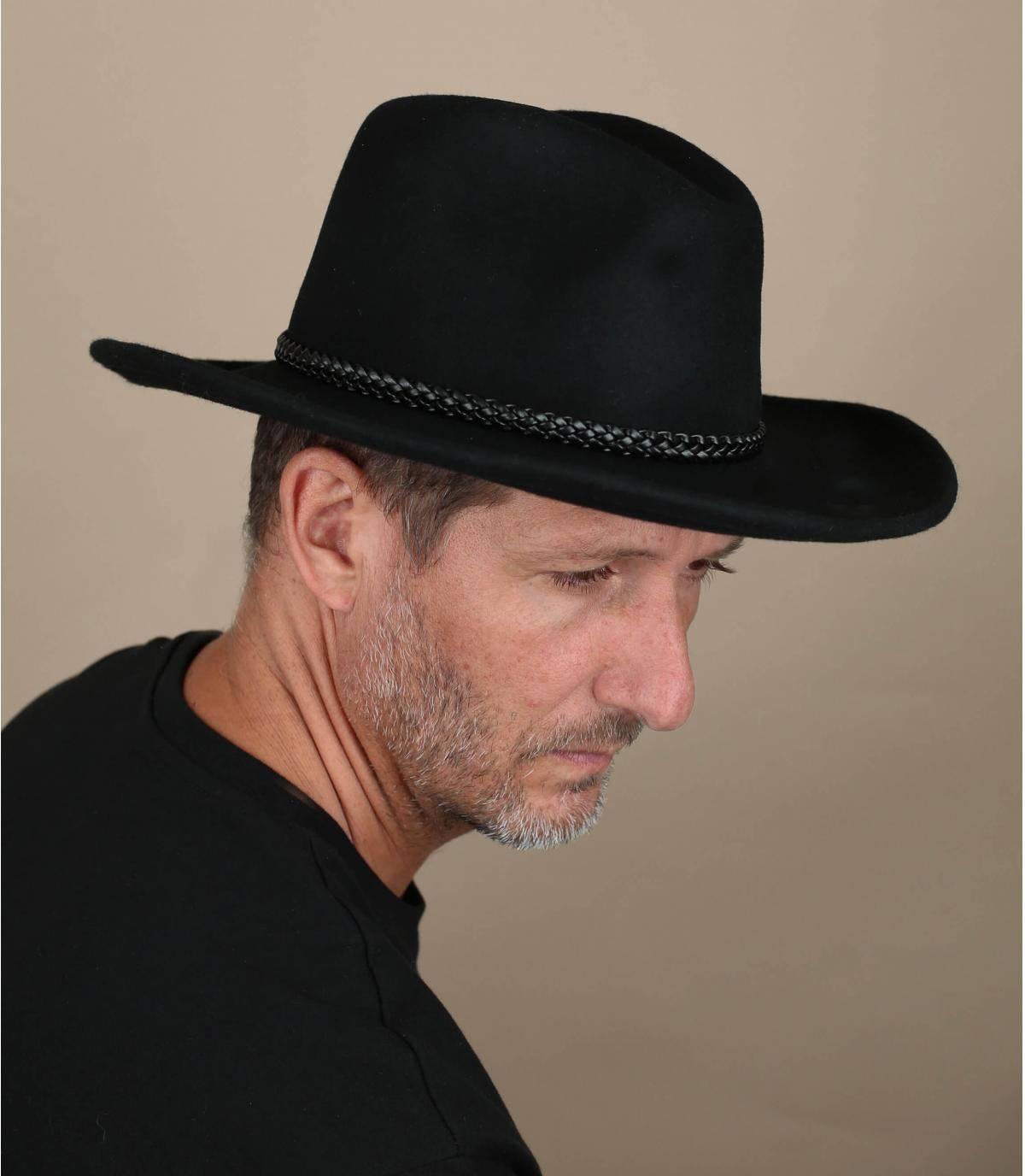 chapeau cow-boy noir