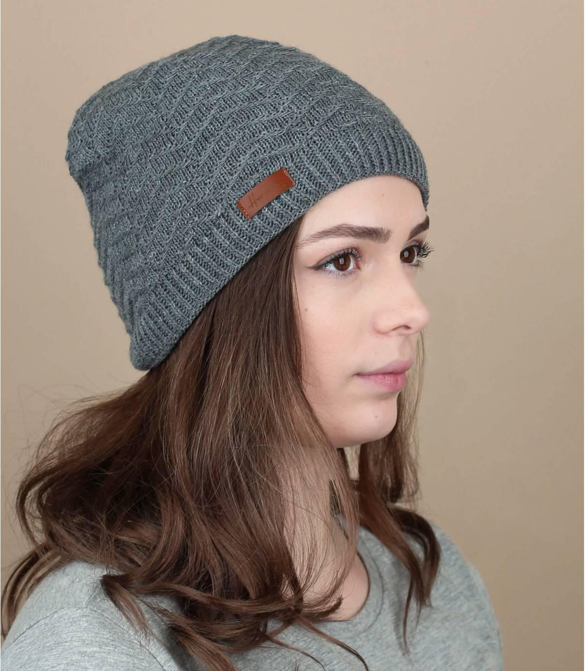bonnet gris chevrons