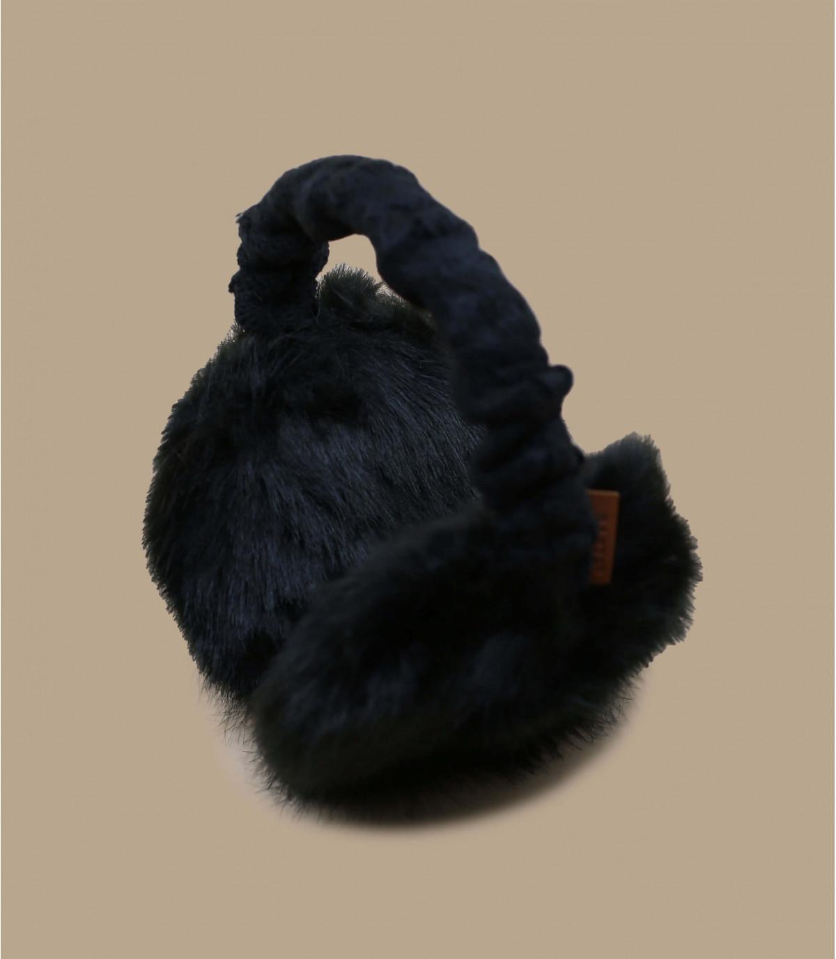 cache oreille noir