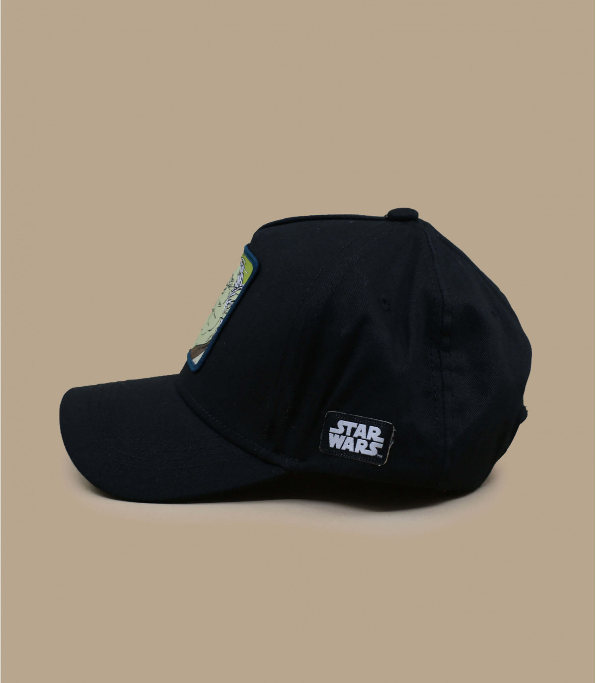 trucker Yoda noir