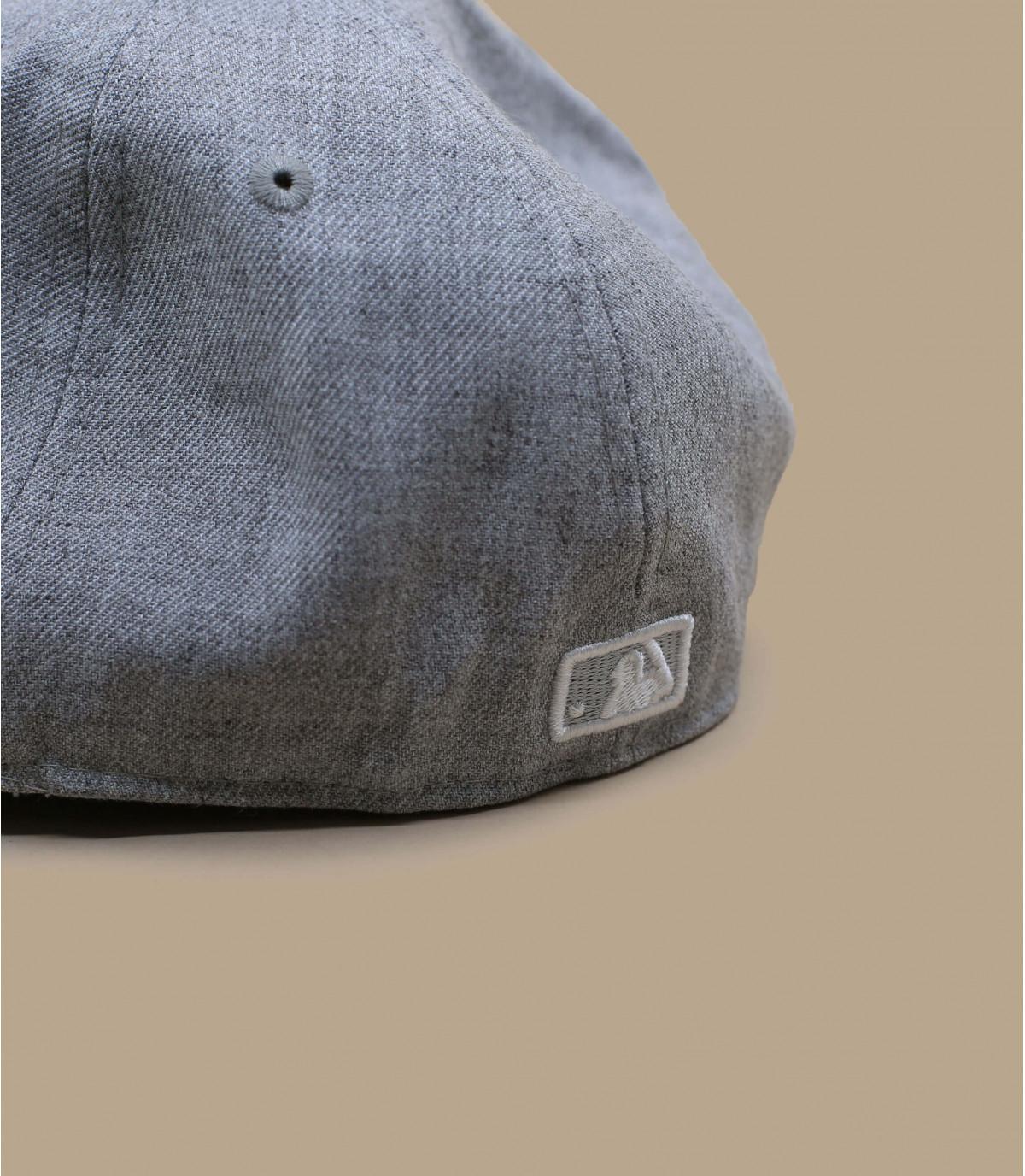 Détails Casquette NY 59fifty gris clair - image 4
