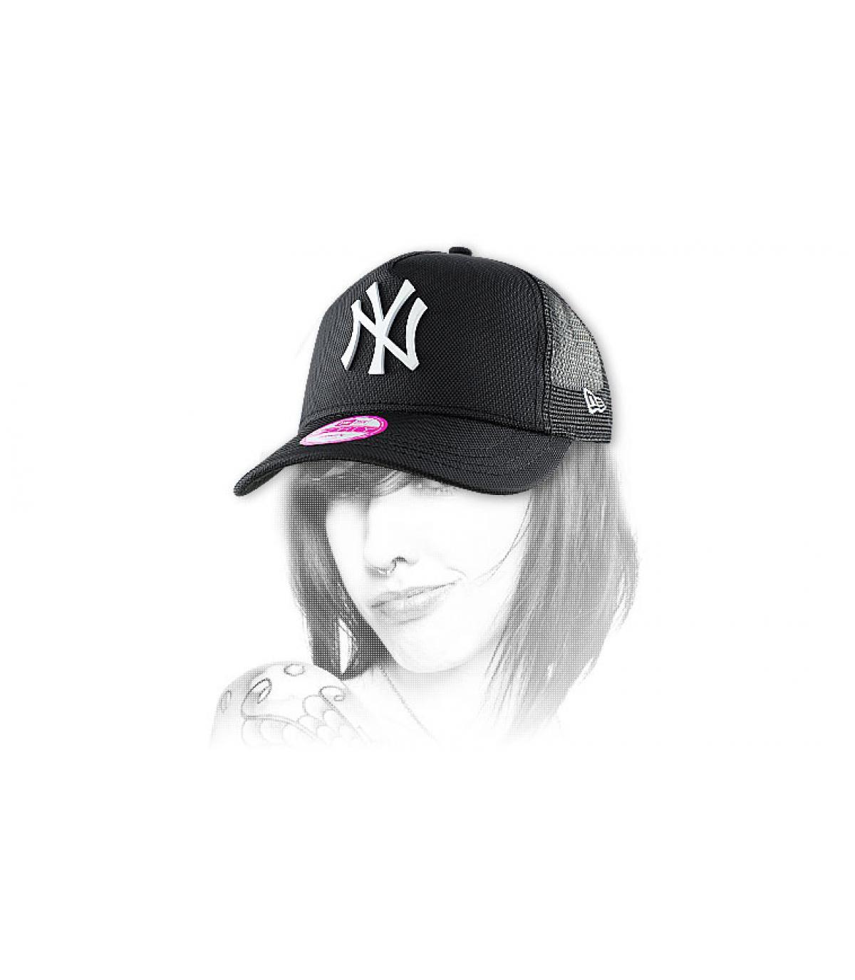 Détails Casquette femme NY met ball black - image 2