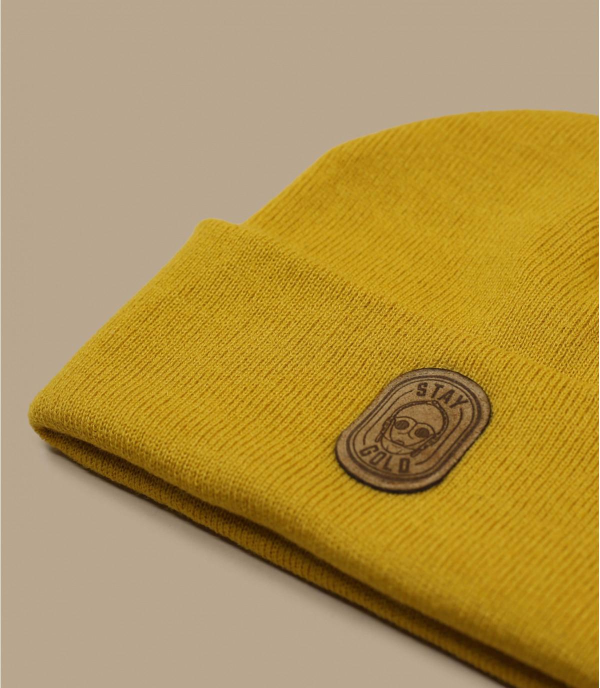 bonnet robot jaune