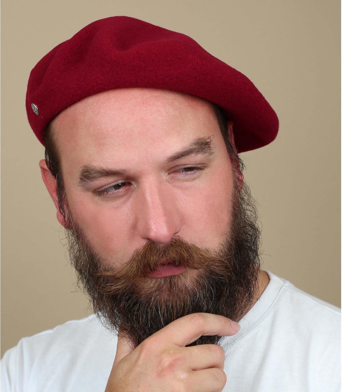 Béret rouge homme