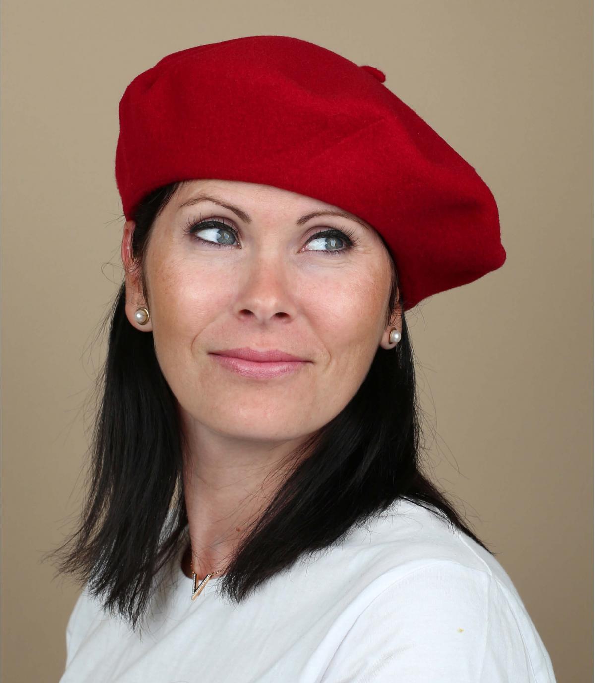 Béret rouge femme