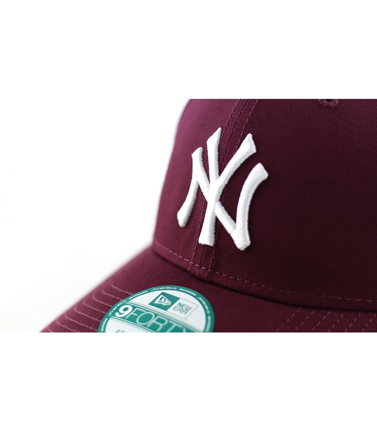 Détails Casquette NY league essential maroon - image 3