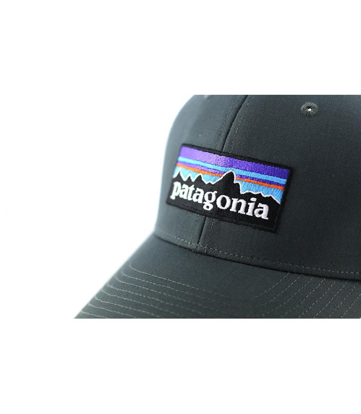 Détails P6 logo trucker hat forge grey - image 3