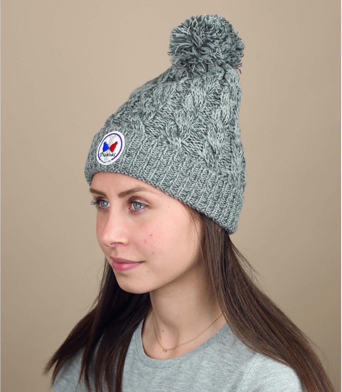 Bonnet gris torsades