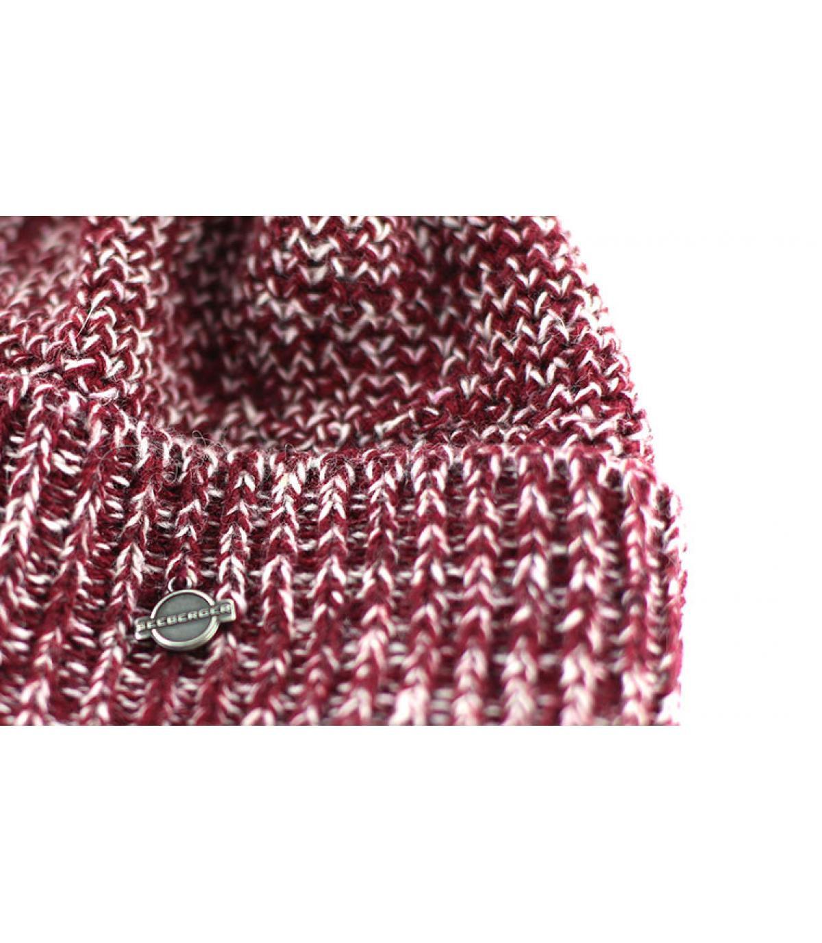 Détails Bonnet avec pompon cassis - image 3